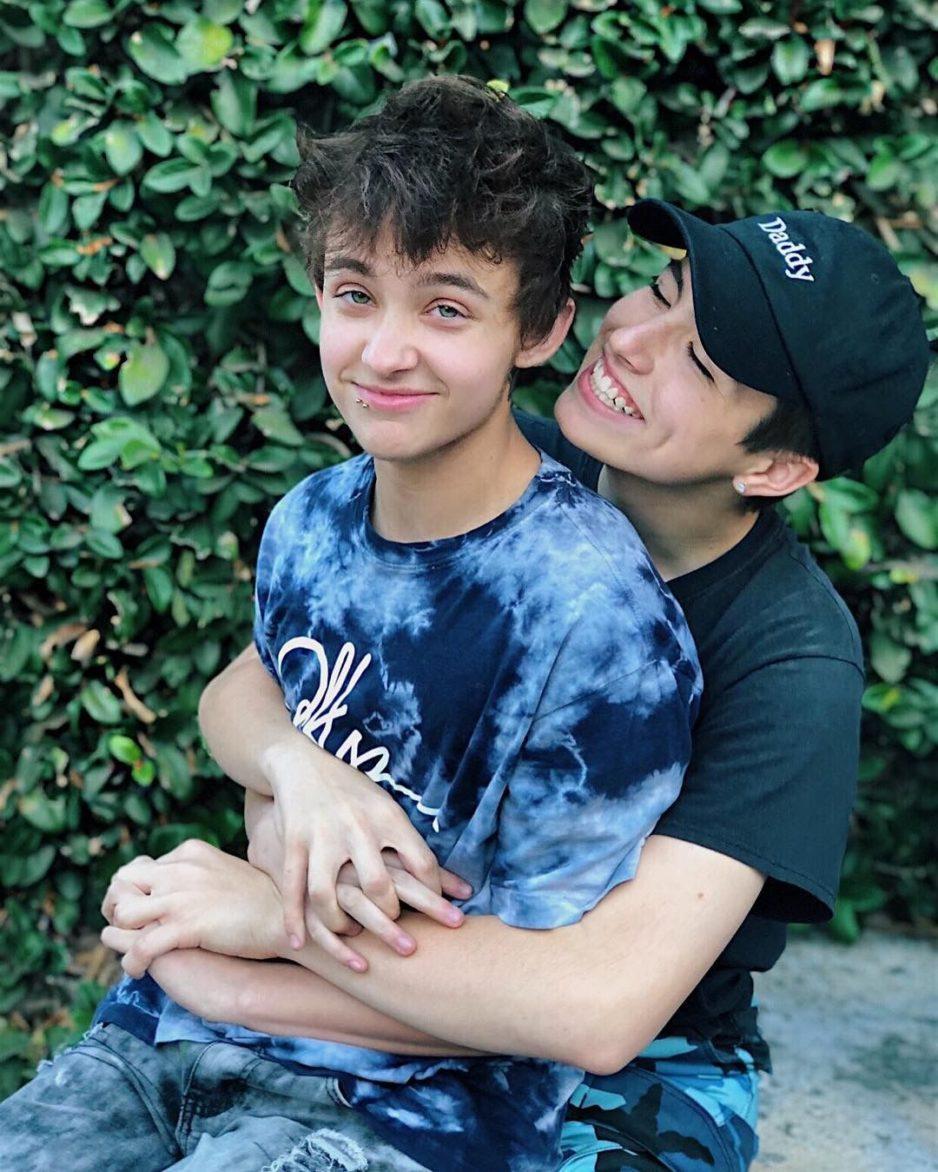 Con mi mejor amigo - relatos gay