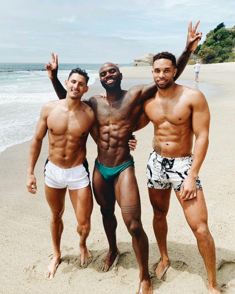 Mis amigos me inician en el mundo gay -citasgay.org